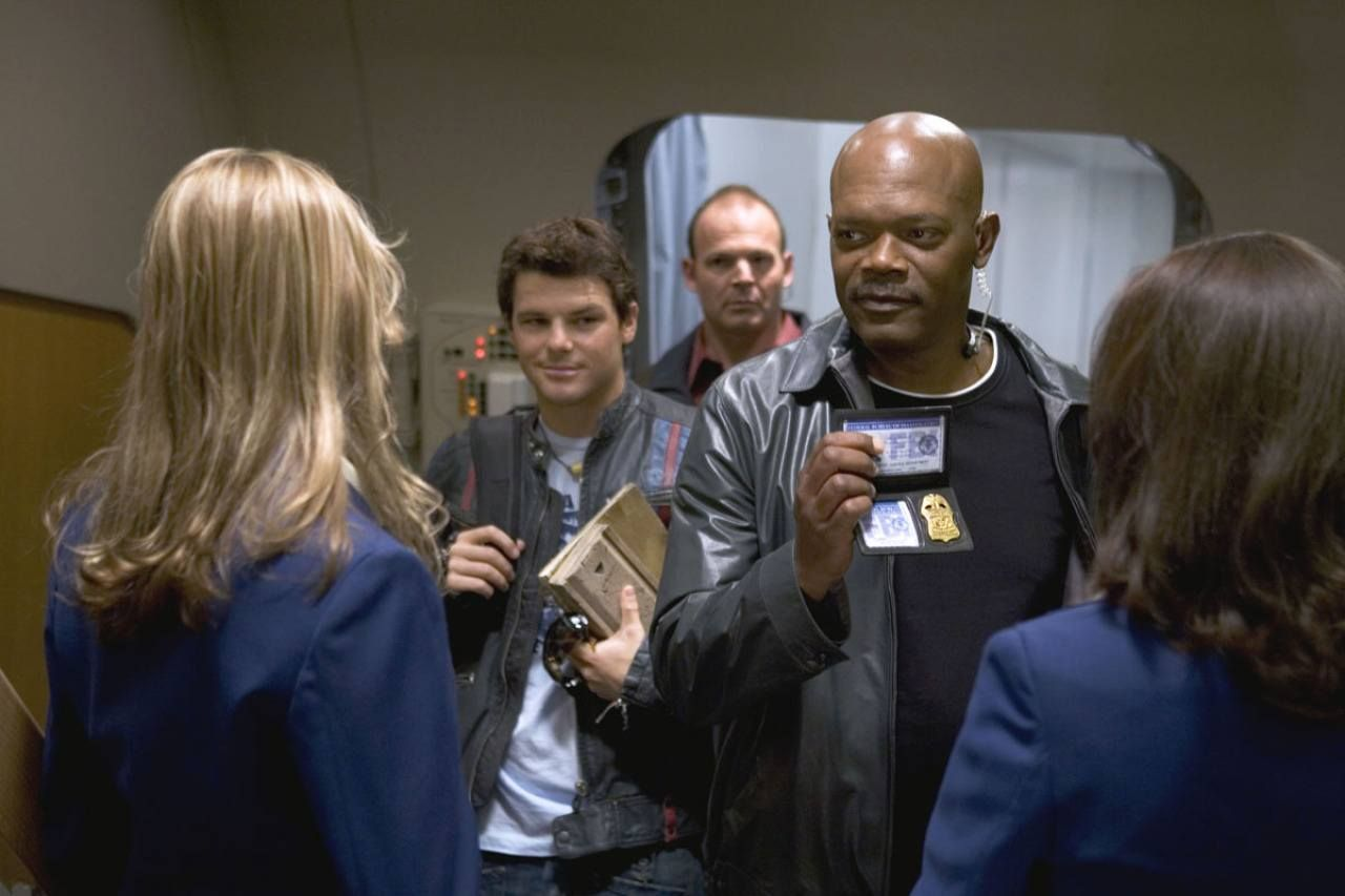 behind the scenes, The revelation that Samuel L. Jackson had agreed to be in Snakes on a Plane due to its title.