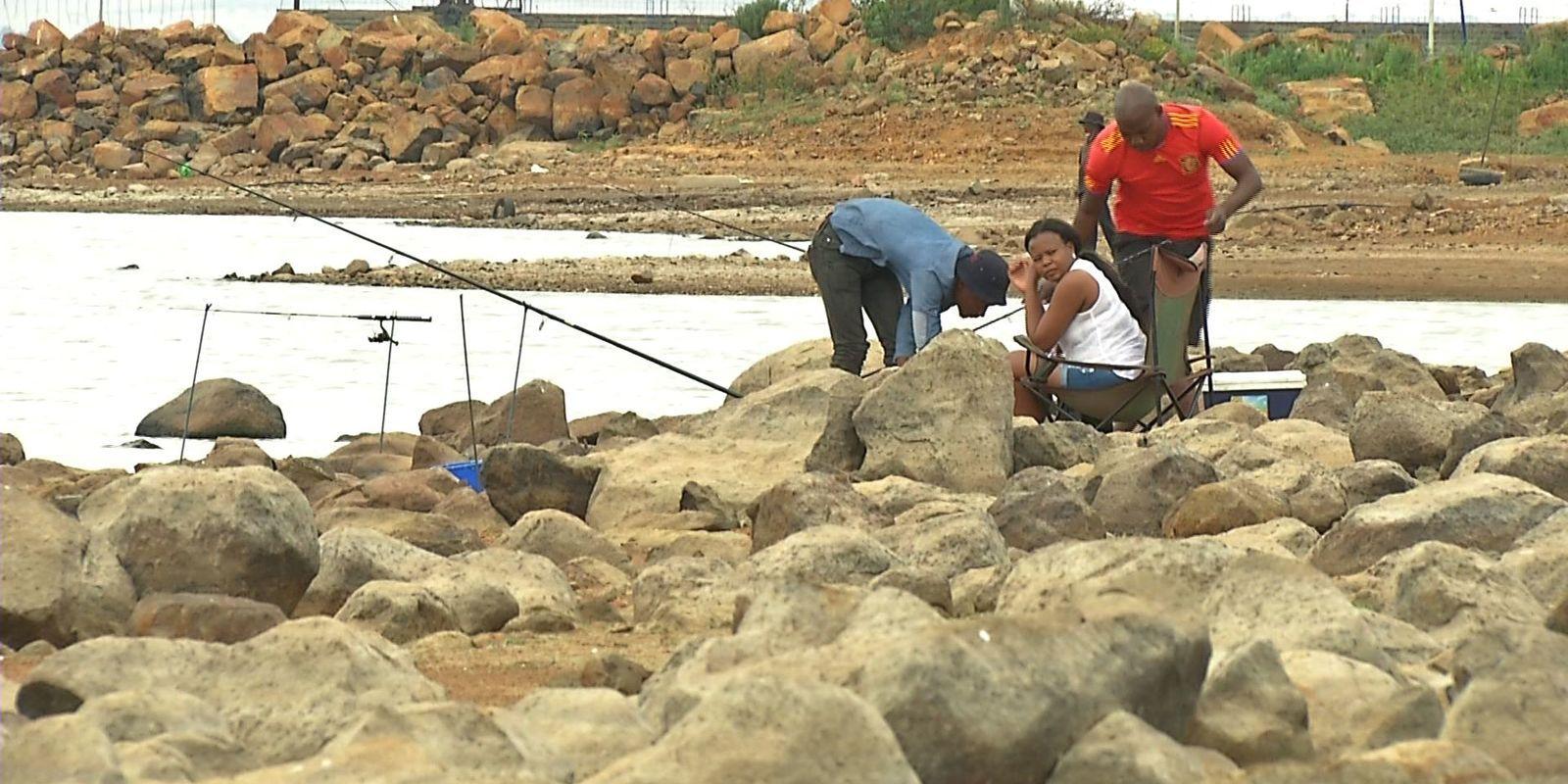 1529482278 34 vaal dam fisherman